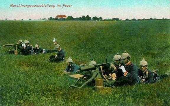 Maschinengewehrabteilung in Feuer. Unité allemande de mitrailleuses au feu.